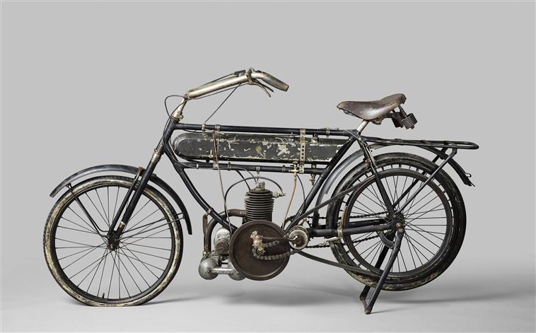 Motocycle Magnat-Debon, Compiègne, musée de la voiture