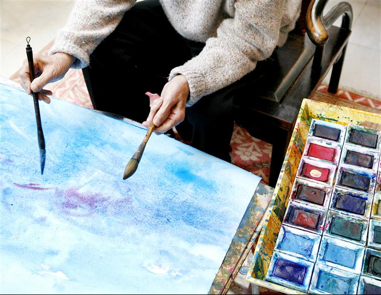 Zao Wou-Ki dans son atelier photographié par Raphaël Gaillarde