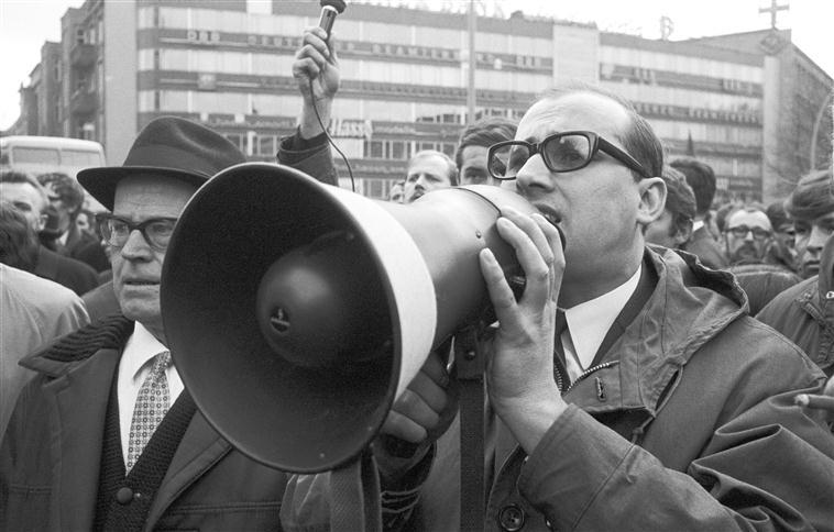 Manifestation à Berlin après l'attentat contre Rudi Dutschke, photographie de Klaus Mehner