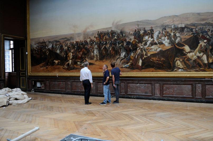 Echanges autour des conditions de la prise de vue du tableau Prise de la smalah d'Abd-el-Kader (21,39 m de large et 4,89 m de haut) au Château de Versailles.