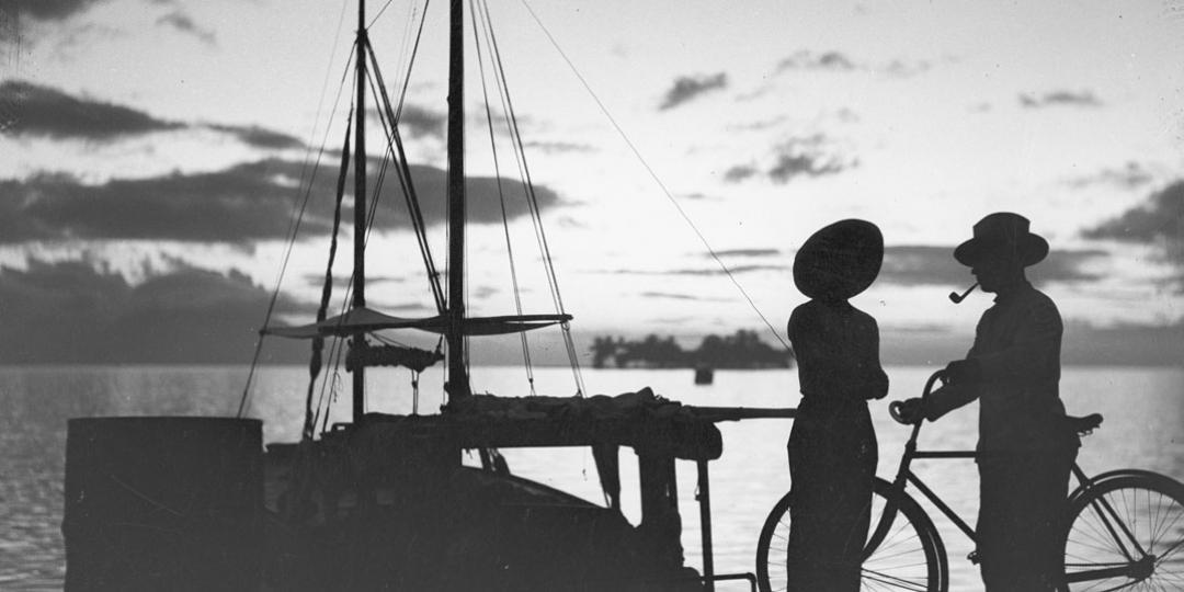 Coucher de soleil avec en ombre chinoise et une goélette, Roger Parry 1932