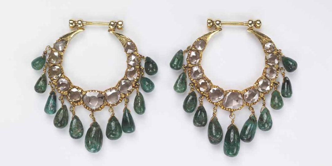 Paire de boucles d'oreille, Royaume-Uni, Londres, Victoria and Albert Museum